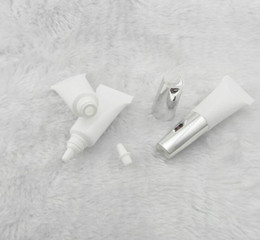 Wholesale Tube Packaging For Cosmetics - 3g 3ml Empty Clear Tube Cosmetic Cream Lotion Containers Personal care hose cosmetics packaging for Gold and silver cap