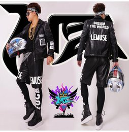 Wholesale Dance Costumes Male - Male singer clubs in Europe and the runway black letters map removable sleeve locomotive leather costumes. S - 6 xl