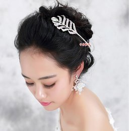 Wholesale Feathers Hair Design - Iris Flowers Design Crystal Bridal Fascinators Wedding And Party Hair Accessories 2015 August Style Free Shipping In Stock