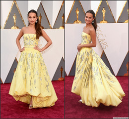 Wholesale Oscar Crystal Dresses - 2016 88th Oscar Celebrity Dresses Alicia Vikander Yellow Strapless High Low Taffeta with Beads Sequins A Line Red Carpet Gowns