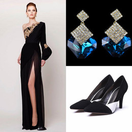 Wholesale women dress shoes crystal - 2017 Prom Dresses With Earrings With Shoes Split Side Azzi & Osta New Designer Column Evening Gowns Backless Formal Vintage Women Prom Dress