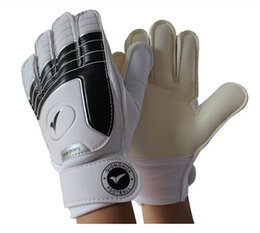 Wholesale Gloves For Summer - Soccer goalkeeper gloves for kids football latex goalie gloves children 's professional sports protection guantes de arquero