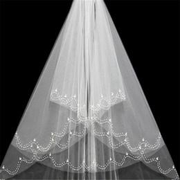 Uma camada de véus de noiva on-line-Véu de Noiva Cristais Marfim Branco Bonito Um Tier Tulle Pérolas Costuradas Fio Setor Elegante Graciosa de Alta Qualidade Véu Do Casamento Da Noiva Com Pente