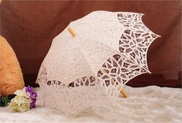 Wholesale Ivory Lace Parasols - New Coming Ivory Lace Hollow Romantic Beautiful Special Wedding Events Wedding Supplies Bridal Perasols In Stock