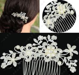 Argentina 2016 Tiaras de la boda nupcial de la manera Impresionante peine fino Accesorios de la joyería nupcial Crystal Pearl Hair Brush AA0266 Suministro