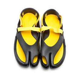 Wholesale Wholesale Mixed Sandals - Wholesale- 1 Pair Summer Style Male Garden Sandal Shoes Men Leisure Mix Colors Hook& Loop Trendy Flip Flops Beach Sandals