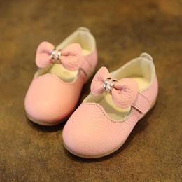 chaussures en gros de brevets pour bébés Promotion Chaussures de princesse en cuir véritable princesse bow, chaussures de sandale de printemps 2015 A001