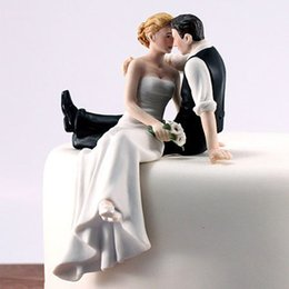 Wholesale Bride Groom Figurines - Romantic Bride Groom Cake Toppers Wedding Cake Decorations Supplies Resin Figurine Wedding Party Decorations Free Shipping