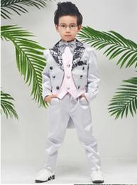 2019 gilet de mariage en dentelle Le piano du garçon Robe de soirée Costume de costume de dentelle de smoking Tuxedo Les enfants montrent la robe Costumes garçons de fleurs de mariage gilet de mariage en dentelle pas cher