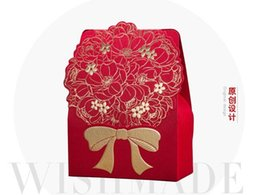 Wholesale Bow Box Designs - 100Pcs Lot Gold Bow Design Candy Boxes Wedding Favor Holders Gold Gift Box 2015 Autumn Style in stock