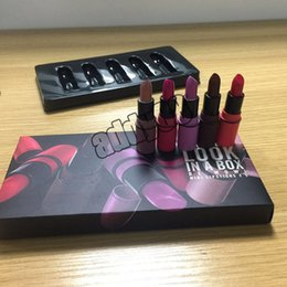 Wholesale hot makeup styles - hot Makeup LOOK IN A BOX Lipsticks 2 styles Nude Lipsticks 5pcs in a set Waterproof Lip Matte Lipstick 10 colors 5pcs set