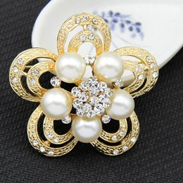 Wholesale Cheap Indian Costume Jewelry - Gold Plated Clear Sparkly Crystals Rhinestone Women Costume Jewelry Brooch Luxurious Flower Brooch Pins For Wedding Party Cheap Good Quality