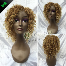 Wholesale Wig White Short Curly - Hot sale short peruca, Synthetic kinky curly hair wig, ombre dark blonde to light blonde color wigs for black or white women