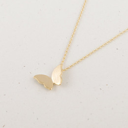 Wholesale Simple Cute Necklace - 2016 Gold and Silver Fashion Cute Butterfly Pendant Elegant Necklaces for Women Simple Animal Women Long Necklace N169