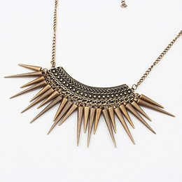 Wholesale Triangle Tassel Necklace - Fashion European Jewelry 22g Wholesale Retro Exaggerated Rivets Tassel Triangle Hammered Necklace 40cm Length Clavicle Chain Necklace
