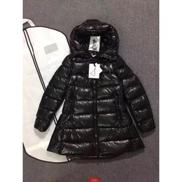 Wholesale woman goose down coat sale - Ladies Winter Down Coats Black 90% White Goose Down Jackets Zipper with Hooded Slim Light Fashion Outwear Womens Clothes Red Sale