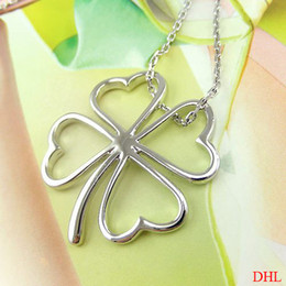 Wholesale Clover Flower Necklace - New Necklace Glossy Flower Silver Heart Four Leaf Clover Lucky Pendant Necklace Jewelry free shipping in stock
