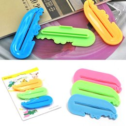 Wholesale Toothpaste Tube Press - New 1set 3pcs Cute Lovely Toothpaste Tube Squeezer Easy Press Dispenser Crocodile Free Shipping