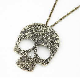 Wholesale Skull Sweater Necklace - Women Vintage Style Retro Carved Flower Skull Pendant Necklace Skeleton Sweater Long Chain Jewelry Gift Wholesale 12 Pcs