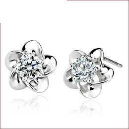 Wholesale Stud Earrings For Cheap - 100 pairs Factory Price earrings for women fashion jewelry cheap stud earring 925 sterling silver Cute Flower claw hypoallergenic new