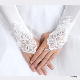 Wholesale Bridal Glove Ivory - $5.99 2017 White Ivory Red Beaded Applique Lace Fingerless Wedding Bridal Gloves Prom Evening Cocktail Gloves for Bride CPA245