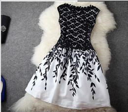 Wholesale Free Promotional - Summer dress The new women's round neck sleeveless vest bottoming Slim flower print dress , Promotional top sale free shipping