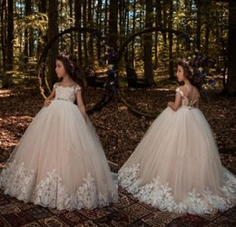 Wholesale Ivory Tutu Flower Girl Dresses - 2018 New Year Christmas Light Champagne Flower Girl Dresses with White Lace Appliqued Tutu Beaded Sash Girls Pageant Gowns for Teens