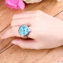 Creative Steel Round Elastic Quartz Finger Ring Watch Lady Girl Christmas Gift Fashion Stylish Finger Watch Ring Style watches de