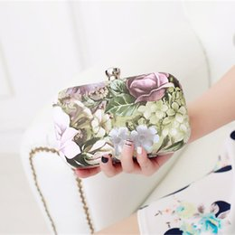 Wholesale Cheap Wedding Clutch Bags - Romantic 2015 New Fashion Printed Flower Leaf Hand Bags For Women Cheap High Quality Clutches With Out Strap EN9117