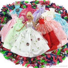 Wholesale Shoes For Dolls - Lot 15 Pcs = 10 Pairs Of Shoes & 5 Wedding Dress Party Gown Princess Outfit Clothes For Barbie Doll Girls' Gift Random Pick