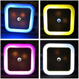2019 tomada de parede luz noturna Economia criativa Tomada Automática de Energia Light Sensor LED Comando de Parede Night Light interior Quarto Decoração Lamp LEG_73B desconto tomada de parede luz noturna