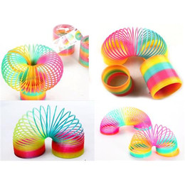 Wholesale Slinky Wholesale - 5PCS Plastic Round Rainbow Circle Coil Spring 8.7X9CM Size Slinky Party Kids Baby Educational Toys