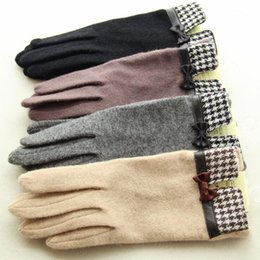 Wholesale Organic Cotton Gloves - 2017 Winter gloves for ladies in autumn and winter warm cashmere wool finger touch gloves free ship