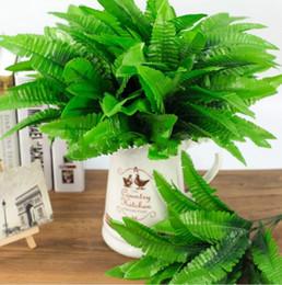 Deutschland Persischer Farn Plastikblumensimulationsfarn-Grünbetriebsblumenanordnungsformsimulationsgras persische Farnhaushalteinzelteile cheap plastic flower items Versorgung