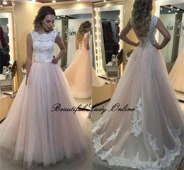 7a0cca69f6 Barato vestidos largos de baile de color rosa Open Back una línea de encaje  blanco longitud del piso vestidos formales del partido 2017 Nuevo vestido  de ...