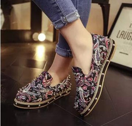 Wholesale Heavy Cotton Canvas Fabric - 2016 autumn new rivet heavy-bottomed flat shoes lazy shoes floral retro shallow mouth casual shoes flat women shoes