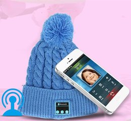 Wholesale Sports Beanies Hats - Women Sports Knitted Bluetooth Hat Headphone Speaker Beanie Bluetooth Headphone Warm Winter Music Cap Free Shipping