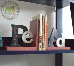 Wholesale READ Vintage Childrens Room Decoration Bookends Fashion Wooden Painting Bookshelf Creative Enghlish Letters Hot Sale