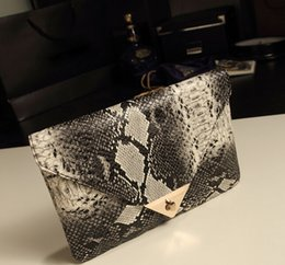 Wholesale Cell Phone Covers Animal Print - 2015 Fashion Snake Skin Envelope Bag Day Clutch Purse Evening Bags Ladies Fashion Bags Shoulder Bag-DW129