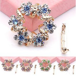 Wholesale Brooches Low Price - Hot Selling Creative Korean Brooch Jewelry Luxury Rhinestone Garland Scarf Clip Brooches Pin With Low Price