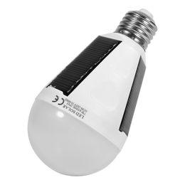 Panel led impermeable online-7W Colgante de energía solar recargable de emergencia LED bombilla luz diurna 6500K E27 IP65 paneles solares a prueba de agua lámpara nocturna