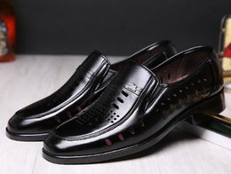 Wholesale Black Hole Office - New summer hollow men's leather sandals business dress shoes Daddy hole hole cool shoes men's work shoes size:39-44