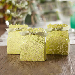 Wholesale Laser Cut Wedding Favor Bags - Wedding Favor Gift Boxes Green Wedding Candy Box Elegant Lemon Romantice Decoration Laser Lawm and Outdoor Wedding Laser Cut