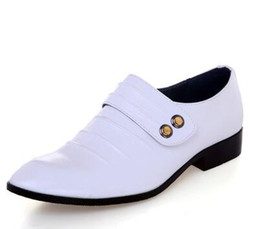 Wholesale Grooms Black Shoes - 2017 New Cheap Groom Wedding Shoes Man Breathe freely Leather Shoes Business Dress Shoe Single shoes White Black Brown