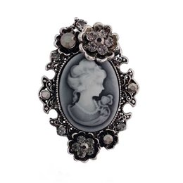 Wholesale asian figures - Retro Stylish Victorian Queen Lady Cameo Brooch Antique Silver Plated Beautiful Flower Cheap Brooch Pins Women Gift