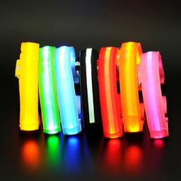 Fluoreszierende hundehalsbänder online-LED Hundehalsband, Nacht Sicherheit blinkt Glow In The Dark Hundeleine, Hunde leuchtende fluoreszierende Kragen Heimtierbedarf