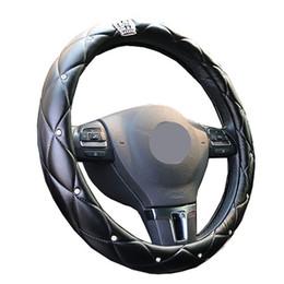Voiture couverte de diamants en Ligne-Haut de gamme Crystal Crown Coverd Femmes tresse de volant de voiture Luxueux Diamant PU cuir volant diamètre 38 Cm