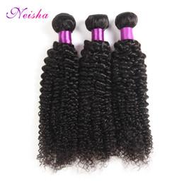 Longitudes mezcladas pelo rizado remy online-La extensión del pelo humano brasileño de la armadura del pelo rizado de Neisha 100% puede mezclar la longitud de los trapos no Remy de la máquina del pelo de la extensión de Remy