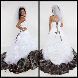 simple high neckline wedding dress Sconti 2018 Camo Abito da sposa Sweetheart Lace Up senza spalline maniche Appliques A Line Satin pavimento-lunghezza Vestidos De Novia Princesa