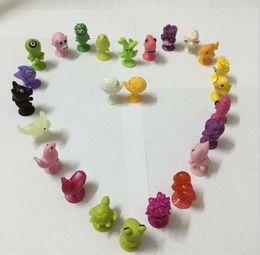 ursinho de peluche preto e rosa Desconto Stickeez Otário Anime Figuras de Brinquedos Quentes Bonito PVC Stikeez Bonecas Aus Dem Weltall Com Satt Allen Vários Estilos Assorted